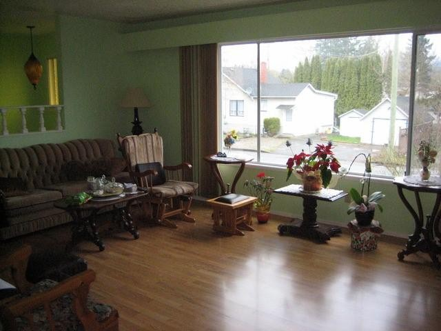 Photo 2: 46208 MAGNOLIA Avenue in CHILLIWACK: Chilliwack N Yale-Well House for sale (Chilliwack)  : MLS(r) # H1300907