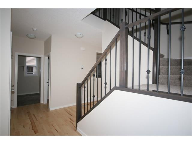 Photo 3: 22 Heritage View: Cochrane House for sale : MLS® # C4038949