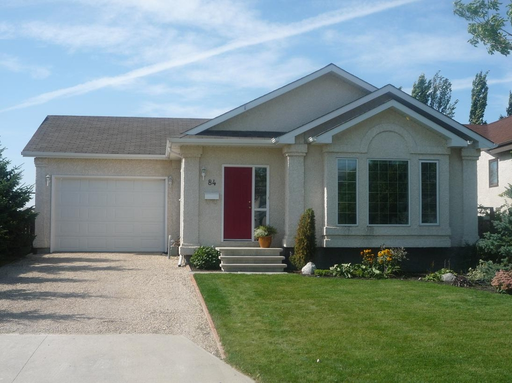 Photo 2: 84 Filbert Crescent in Winnipeg: North Kildonan Residential for sale (North East Winnipeg)