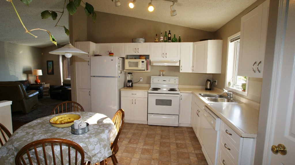 Photo 10: 84 Filbert Crescent in Winnipeg: North Kildonan Residential for sale (North East Winnipeg)