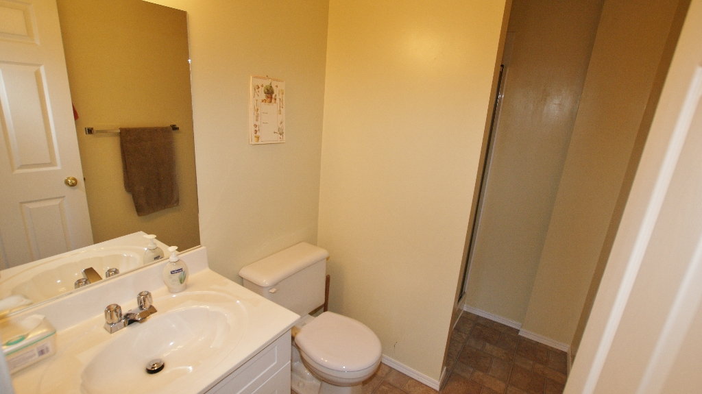 Photo 12: 84 Filbert Crescent in Winnipeg: North Kildonan Residential for sale (North East Winnipeg)
