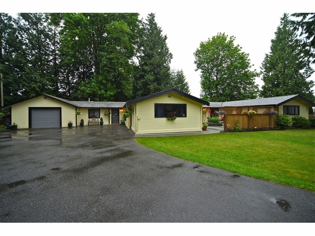 "Main Photo: 20612 94B Avenue in LANGLEY: Walnut Grove House for sale in ""WALNUT GROVE"" (Langley)  : MLS® # F1312050"