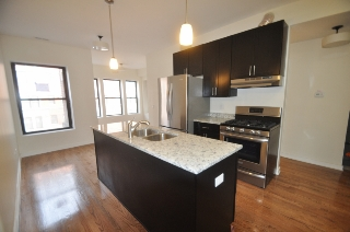 Main Photo: 1167 E 52nd Street Unit 3 in Chicago: Rentals for rent