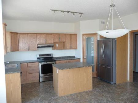 Photo 3: 92 COACH HILL Road in Winnipeg: Residential for sale (Canada)  : MLS(r) # 1119442