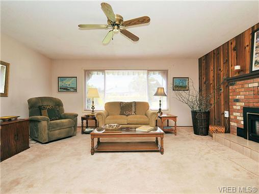 Photo 7: 2119 Redwing Place in SIDNEY: Si Sidney South-West Single Family Detached for sale (Sidney)  : MLS® # 325185
