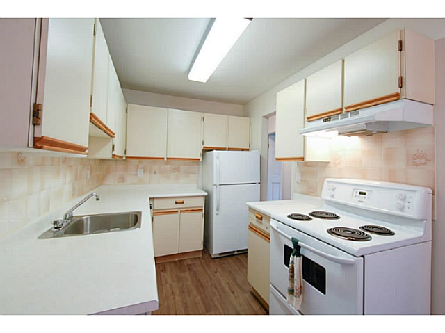 Photo 6: # 211 515 ELEVENTH ST in New Westminster: Uptown NW Condo for sale : MLS® # V1100230