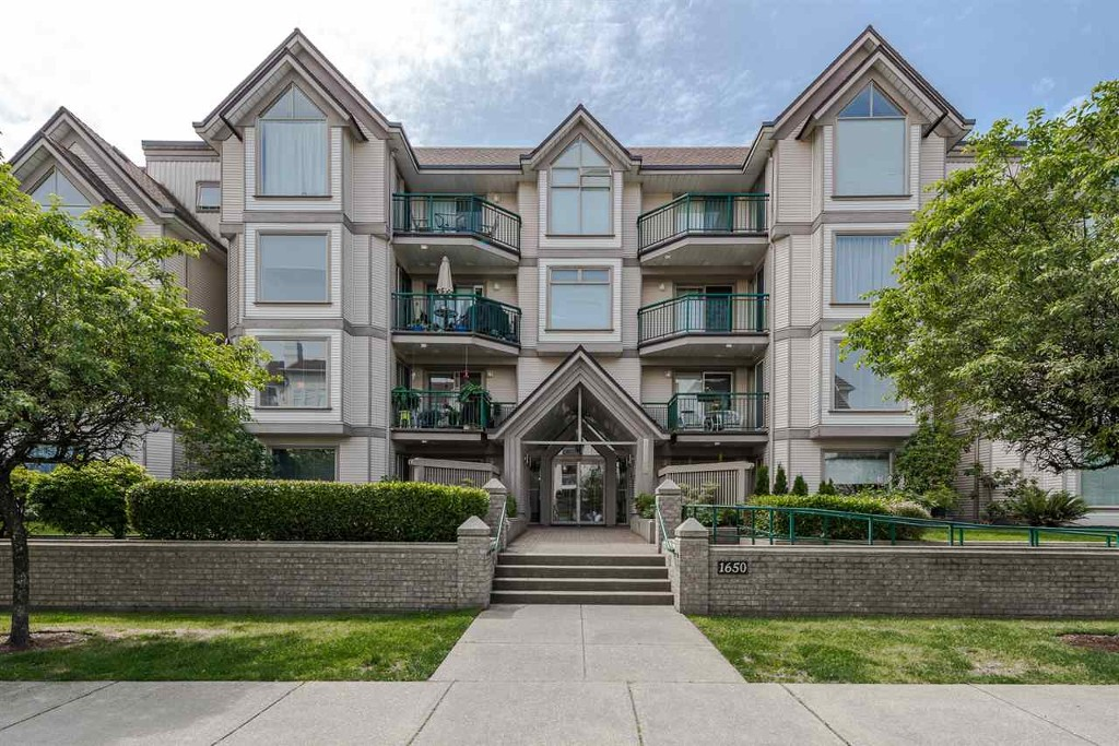 Main Photo: 302-1650 Grant Ave in Port Coquitlam: Home for sale : MLS® # R2076579