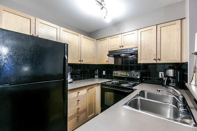 Main Photo: 1411 248 SHERBROOKE STREET in New Westminster: Sapperton Condo for sale : MLS® # R2122313