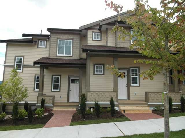 "Main Photo: 3 307 BEGIN Street in Coquitlam: Maillardville Townhouse for sale in ""LAVAL VILLAS"" : MLS(r) # V978955"