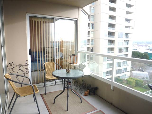 Photo 9: # 602 1065 QUAYSIDE DR in : Quay Condo for sale : MLS(r) # V923043