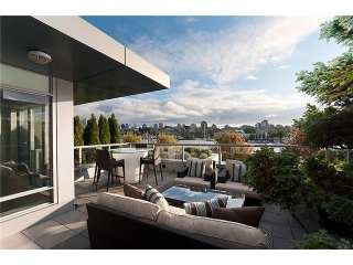 "Main Photo: 106 1515 HOMER MEWS ME in Vancouver: Yaletown Townhouse for sale in ""KING'S LANDING"" (Vancouver West)  : MLS(r) # V996769"