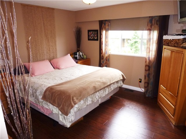 Photo 6: 8916 RUSSELL Drive in Delta: Nordel House for sale (N. Delta)  : MLS(r) # F1313056