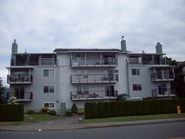 Main Photo: 205 46033 CHILLIWACK CENTRAL Road in Chilliwack: Chilliwack E Young-Yale Condo for sale : MLS® # H2152226