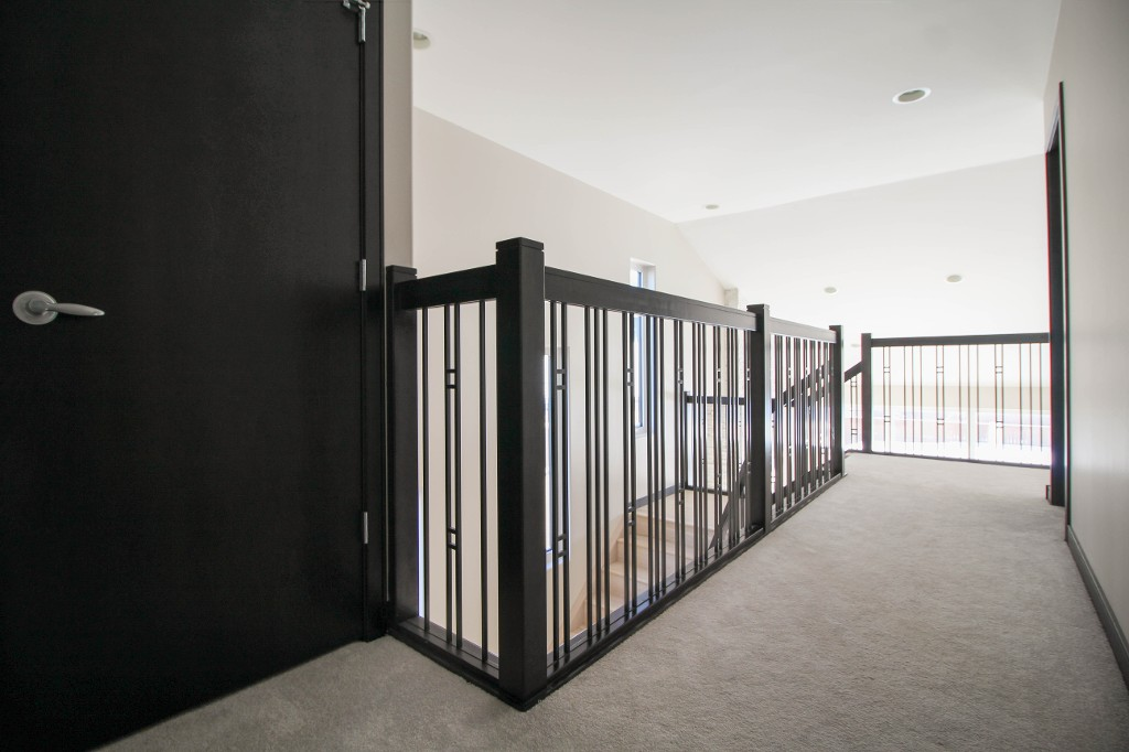 Nice dark railings and trim for a very modern look