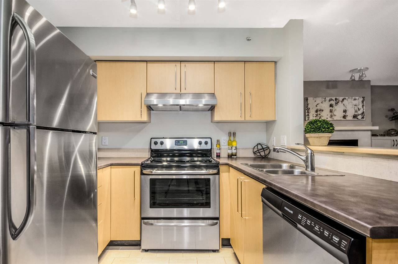 Photo 10: 402 2768 CRANBERRY DRIVE in Vancouver: Kitsilano Condo for sale (Vancouver West)  : MLS® # R2140838