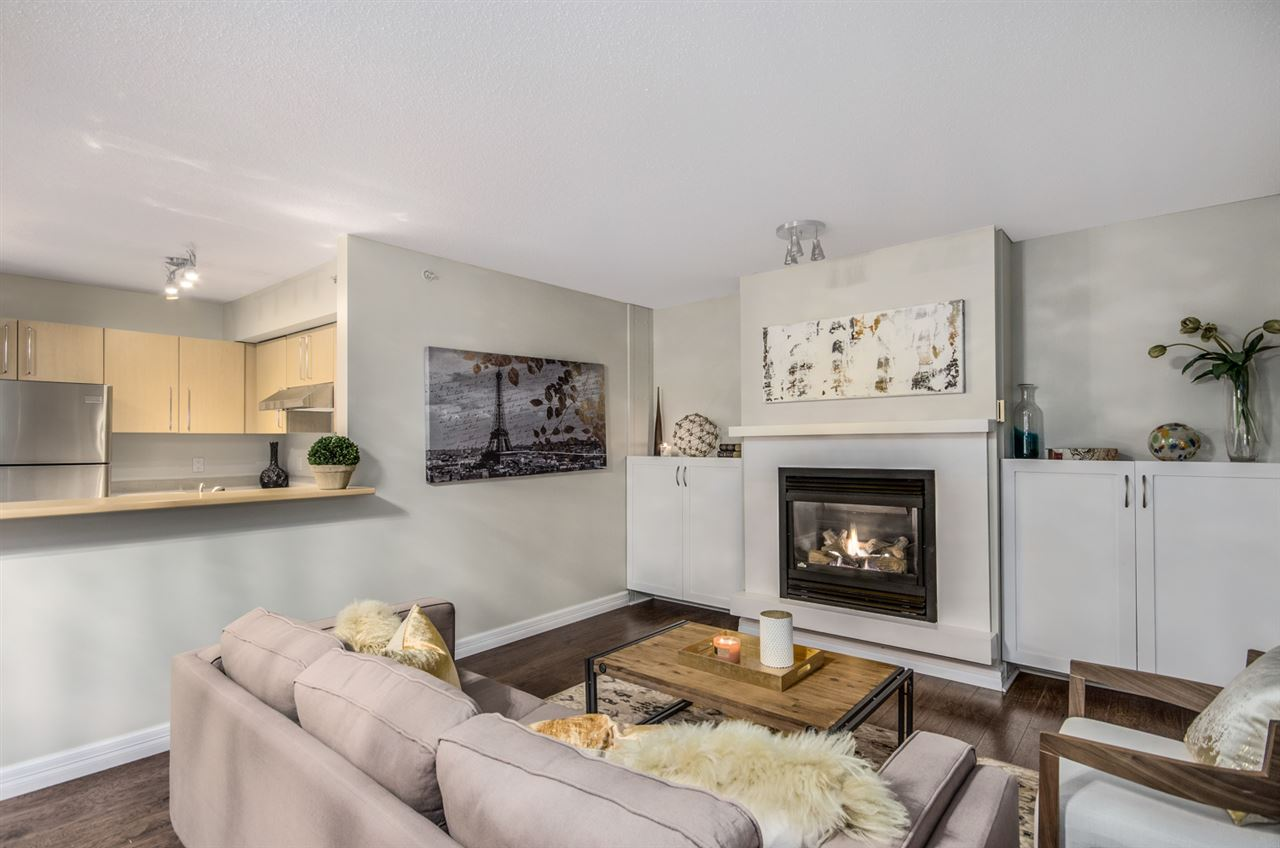 Photo 3: 402 2768 CRANBERRY DRIVE in Vancouver: Kitsilano Condo for sale (Vancouver West)  : MLS® # R2140838