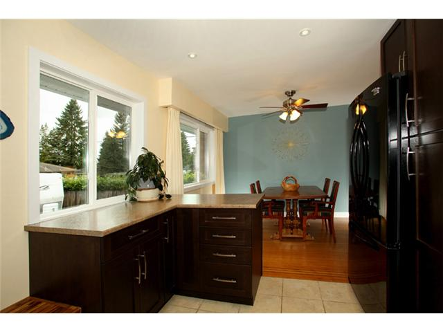 Photo 3: 2130 COMO LAKE Avenue in Coquitlam: Central Coquitlam House for sale : MLS(r) # V934109