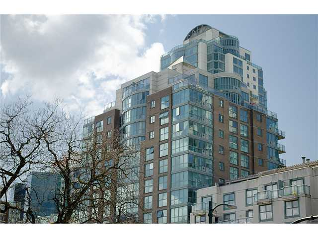 Main Photo: 402 1159 MAIN Street in Vancouver: Mount Pleasant VE Condo for sale (Vancouver East)  : MLS® # V944740