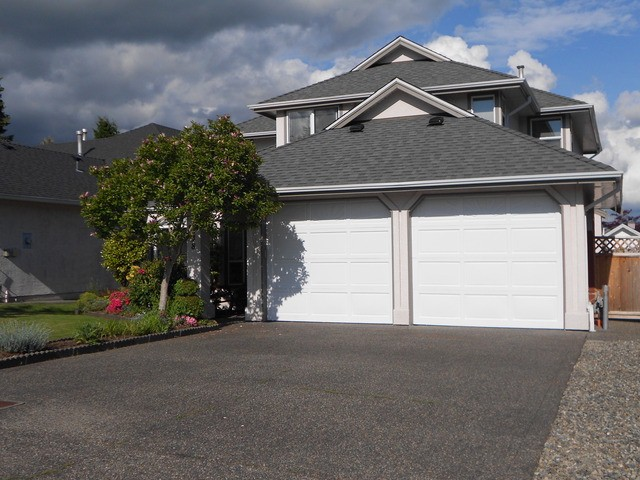 Main Photo: 6248 190TH Street in Surrey: Cloverdale BC House for sale (Cloverdale)  : MLS(r) # F1312005
