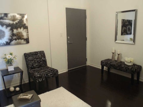 Photo 4: 510 King St Unit #323 in Toronto: Moss Park Condo for sale (Toronto C08)  : MLS(r) # C2806147