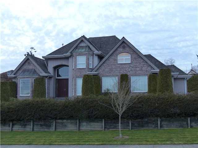 Main Photo: 5513 185A Street in Cloverdale: House for sale : MLS®# F1435036