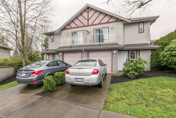 Main Photo: 26 11229 232 STREET in Maple Ridge: East Central Townhouse for sale : MLS(r) # R2046391