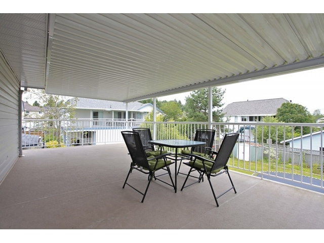 Photo 10: 16065 92ND Avenue in Surrey: Fleetwood Tynehead House for sale : MLS® # F1216498