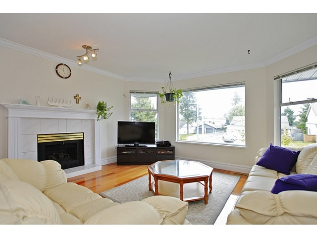 Photo 3: 16065 92ND Avenue in Surrey: Fleetwood Tynehead House for sale : MLS® # F1216498