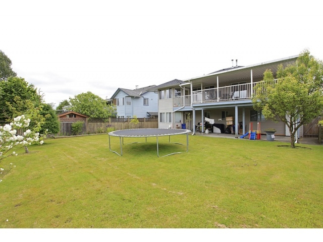Photo 9: 16065 92ND Avenue in Surrey: Fleetwood Tynehead House for sale : MLS® # F1216498