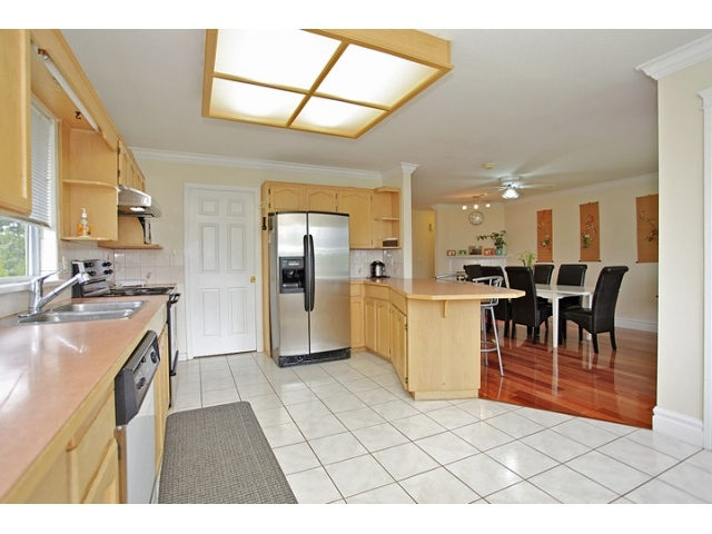 Photo 5: 16065 92ND Avenue in Surrey: Fleetwood Tynehead House for sale : MLS® # F1216498