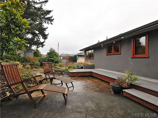 Photo 19: 1947 Runnymede Avenue in VICTORIA: Vi Fairfield East Residential for sale (Victoria)  : MLS(r) # 318196