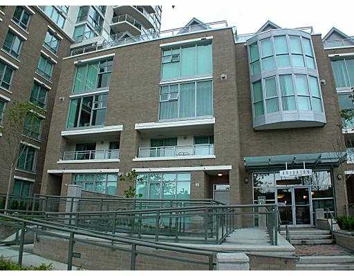 "Main Photo: 305 1030 QUEBEC ST in Vancouver: Mount Pleasant VE Townhouse for sale in ""BRIGHTON"" (Vancouver East)  : MLS®# V592682"