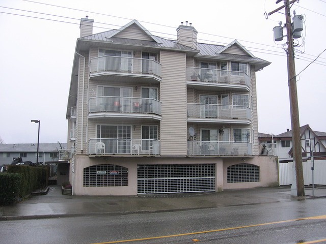 Main Photo: 202 46351 Yale rd in Chilliwack: Condo for sale : MLS® # H1400503