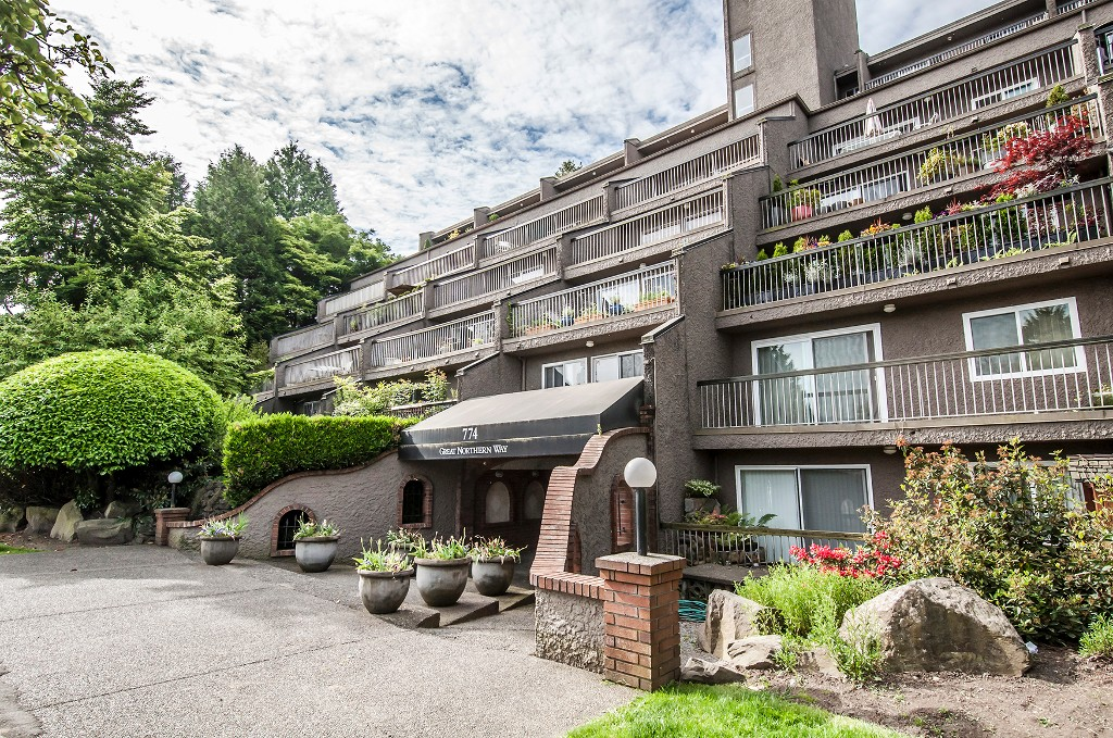 Main Photo: 211 774 Great Northern Way in Vancouver: Condo for sale (Vancouver East)  : MLS® # V1101584