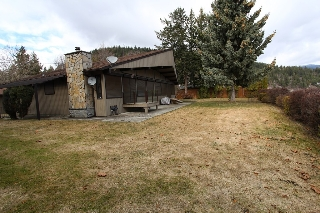 Main Photo: 1343 Deodar Road in Scotch Ceek: North Shuswap House for sale (Shuswap)  : MLS® # 10129735