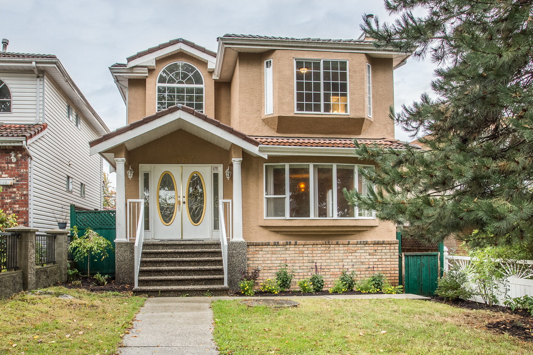 FEATURED LISTING: 3387 2nd Avenue East Vancouver