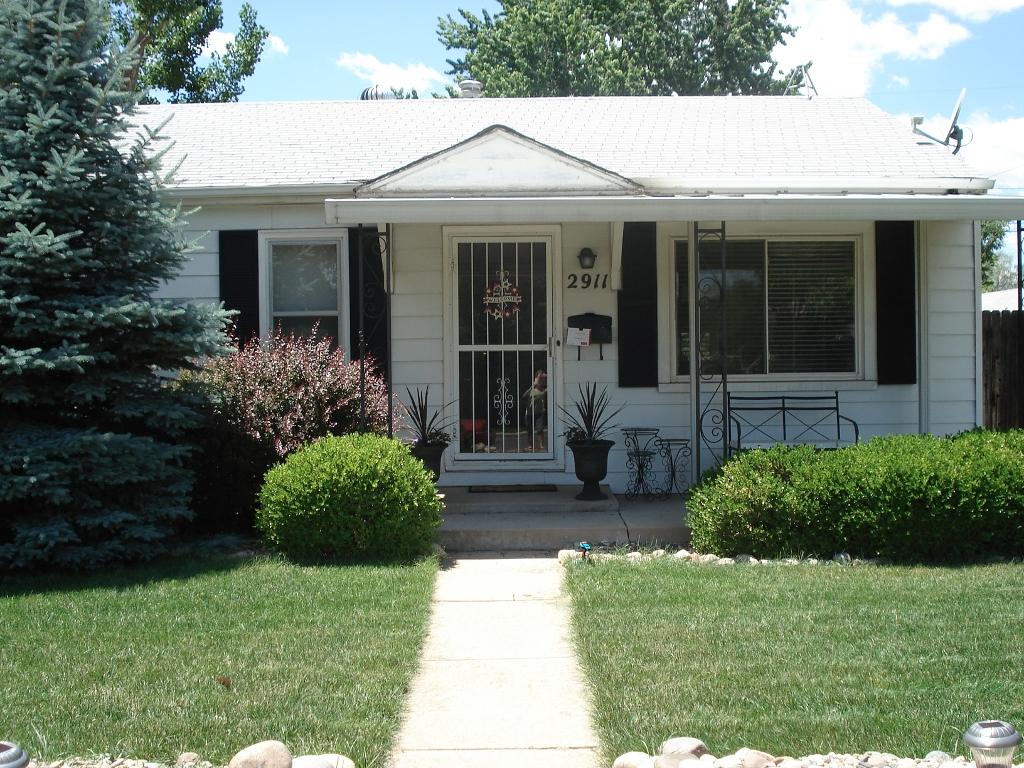 Main Photo: 2911 S. Logan Street in Englewood: House for sale : MLS® # 1064056