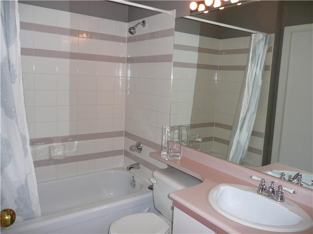 "Photo 5: 406 1924 COMOX Street in Vancouver: West End VW Condo for sale in ""WINDGATE"" (Vancouver West)  : MLS® # V946620"
