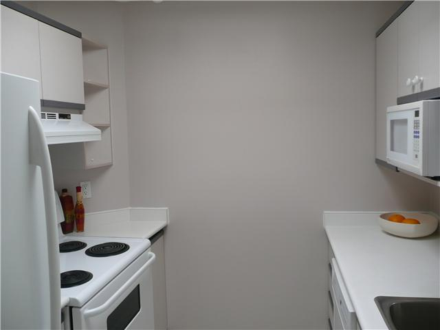 "Photo 3: 406 1924 COMOX Street in Vancouver: West End VW Condo for sale in ""WINDGATE"" (Vancouver West)  : MLS® # V946620"