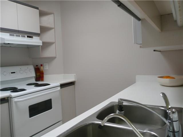 "Photo 2: 406 1924 COMOX Street in Vancouver: West End VW Condo for sale in ""WINDGATE"" (Vancouver West)  : MLS® # V946620"