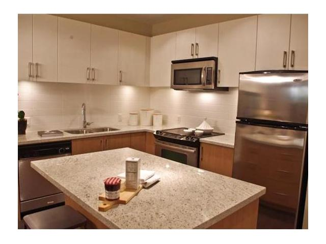 "Main Photo: 202 85 8 Avenue in New Westminster: GlenBrooke North Condo for sale in ""EIGHT WEST"" : MLS®# V1003447"