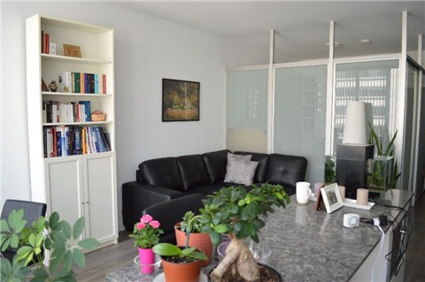 Photo 8: 426 University Ave Unit #1809 in Toronto: University Condo for sale (Toronto C01)  : MLS(r) # C3196498