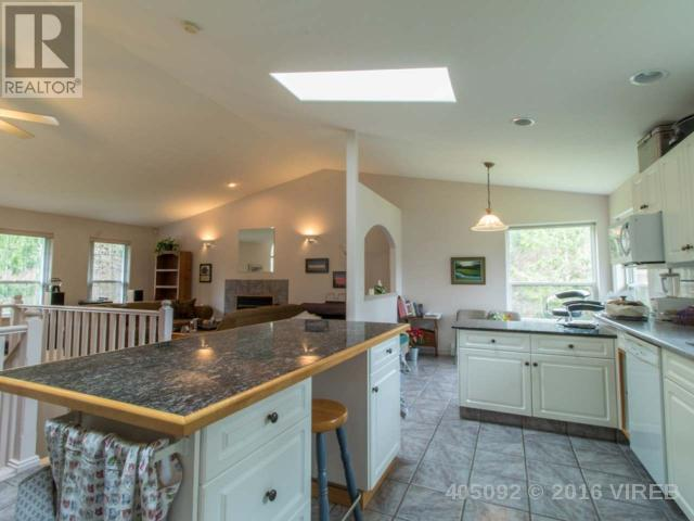 Photo 5: 2386 MORLAND ROAD in NANAIMO: House for sale : MLS(r) # 405092