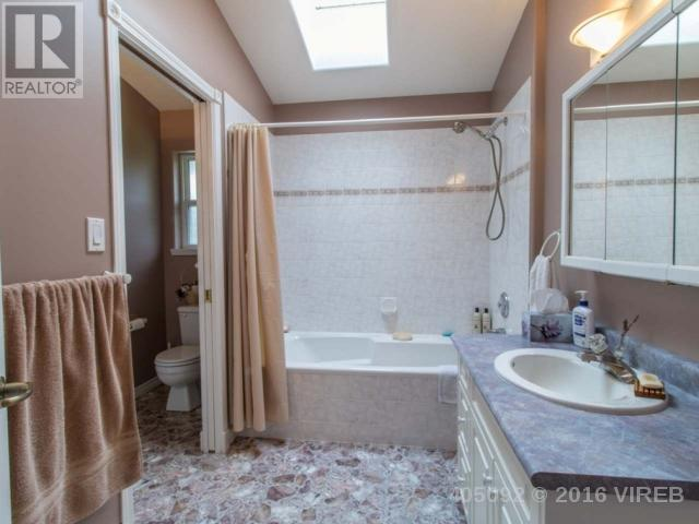Photo 12: 2386 MORLAND ROAD in NANAIMO: House for sale : MLS(r) # 405092