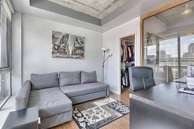 Photo 2: 38 Niagara St Unit #404 in Toronto: Waterfront Communities C1 Condo for sale (Toronto C01)  : MLS(r) # C3546275