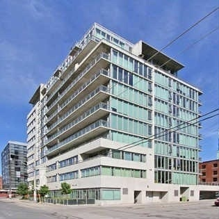 Main Photo: 38 Niagara St Unit #404 in Toronto: Waterfront Communities C1 Condo for sale (Toronto C01)  : MLS(r) # C3546275