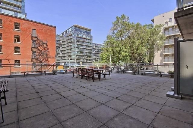 Photo 9: 38 Niagara St Unit #404 in Toronto: Waterfront Communities C1 Condo for sale (Toronto C01)  : MLS(r) # C3546275