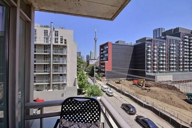 Photo 7: 38 Niagara St Unit #404 in Toronto: Waterfront Communities C1 Condo for sale (Toronto C01)  : MLS(r) # C3546275
