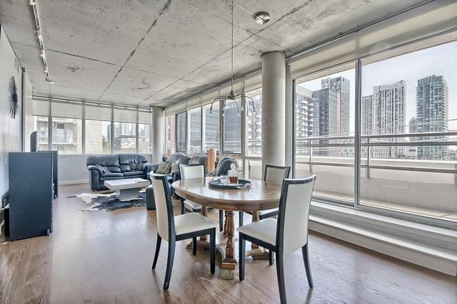 Photo 16: 38 Niagara St Unit #404 in Toronto: Waterfront Communities C1 Condo for sale (Toronto C01)  : MLS(r) # C3546275