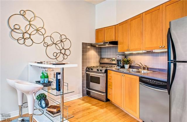Photo 10: 394 Euclid Ave Unit #213 in Toronto: Palmerston-Little Italy Condo for sale (Toronto C01)  : MLS(r) # C3556339